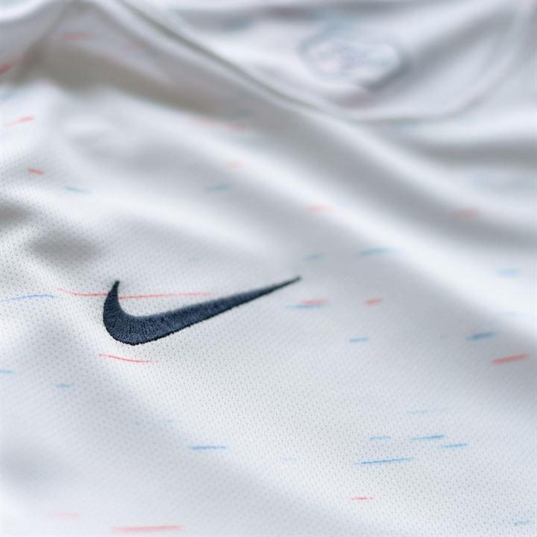 ba90c27e8bc ... Nike France детска футболна тениска Франция Найк AWAY Shirt junior 2018  СВЕТОВНО ПЪРВЕНСТВО ПО по футбол ...